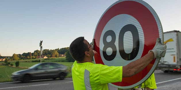 AFP                       Limitation de vitesse à 80 km  h près de 400.00 kilomètres seraient concernés plusieurs pétitions en ligne