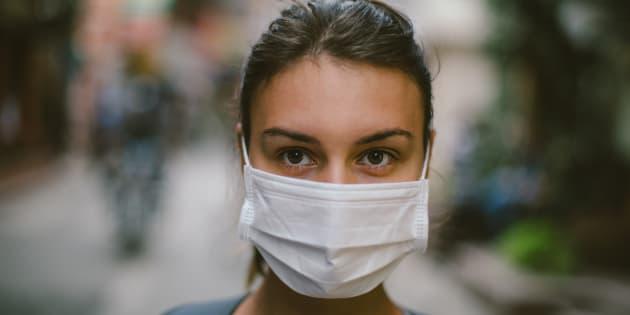 Faut-il porter un masque pour se protéger des particules fines? La réponse n'est pas si simple.