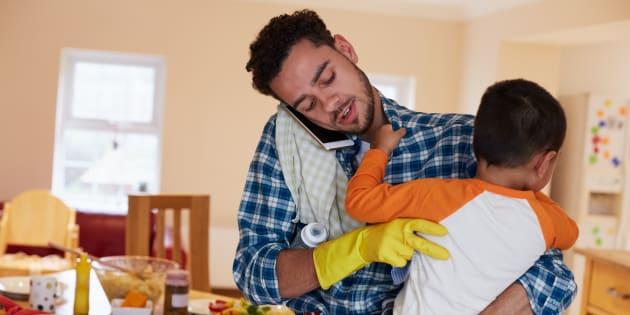 Les deux questions que je me pose sur l'égalité des sexes après avoir été père au foyer pendant deux ans.