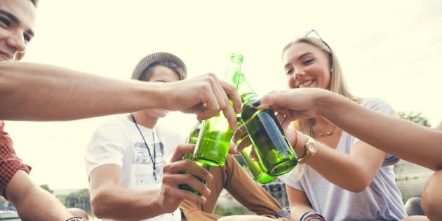 """Le """"binge drinking"""" chez les ados peut endommager le cerveau de leurs futurs enfants"""