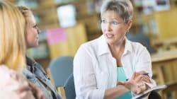 BLOG - Rencontre, écoute, accompagnement, 3 bonnes raisons pour les parents d'assister aux réunions avec les