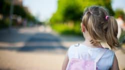 Bimba di 3 anni va scuola con una bustina di marijuana e la regala alla