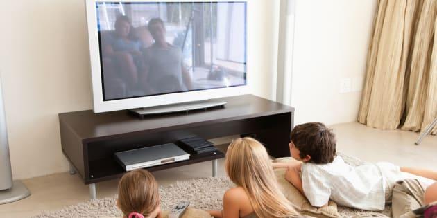 Voici pourquoi l'abus de télé rend les enfants malades.