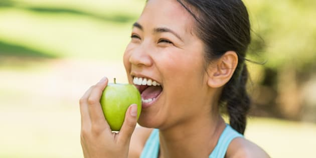 One of the diet's principles is to not combine fruit with vegetables.