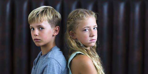 Deux enfants fâchés (illustration)