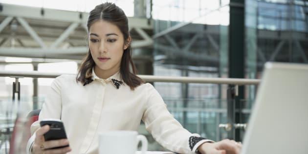 3 signes que vous êtes un maniaque du contrôle au bureau.