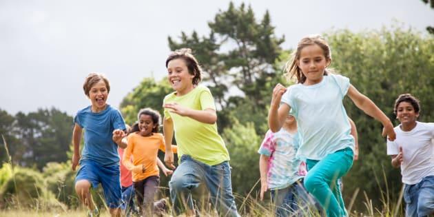 Quanto maior o tempo que você dedica aos seus amigos na infância, mais chances você terá de se tornar um adulto saudável.