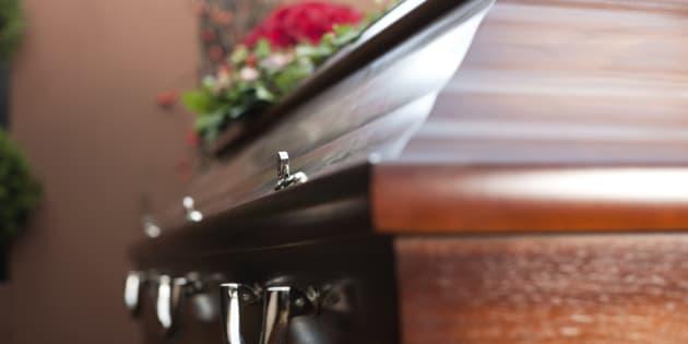 L'interdiction des soins funéraires, dernière discrimination des personnes séropositives? Pas du tout