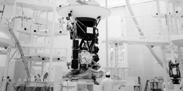 La sonde Voyager 2 a quitté la Terre en 1977.
