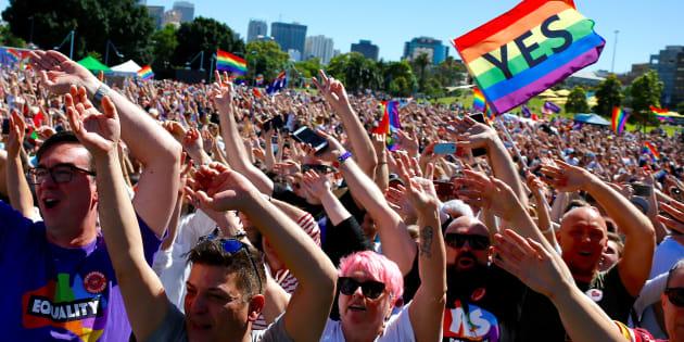 Les Australiens votent largement en faveur du mariage pour tous, une loi va être présentée au Parlement