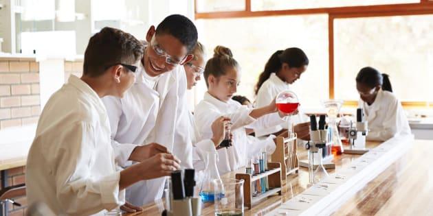 C'est confirmé par le rapport PISA, les Français ne sont toujours pas fans des sciences à l'école