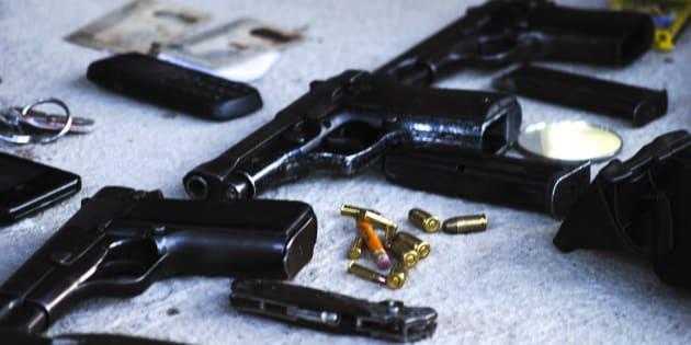 Armas decomisadas en 2015 a un grupo armado de la sierra amapolera de Guerrero.