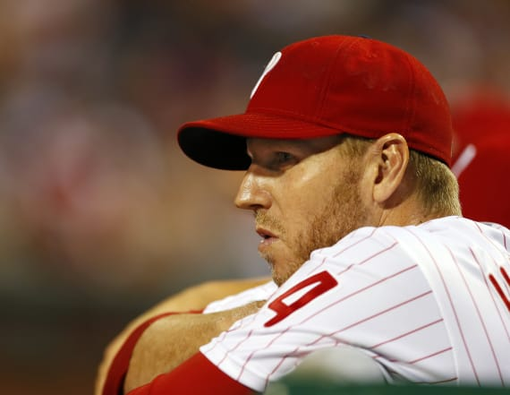 Halladay honored by high school in moving ceremony