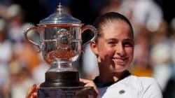Une Lettone de 20 ans gagne Roland-Garros à la surprise