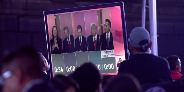 El debate se llevó a cabo el domingo 22 de abril a las 8 pm.