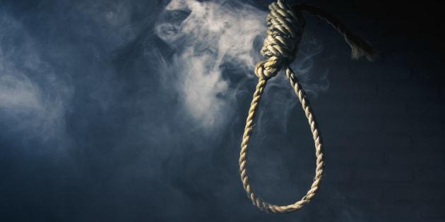 high contrast image of a hangman's noose