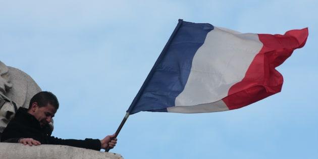 Voici pourquoi nous devons, plus que jamais, renforcer le parcours civique de chaque Français.