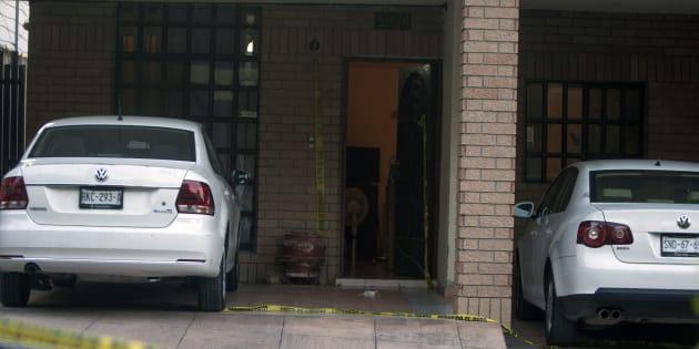 Vista de la casa donde se encontró el cadáver de la periodista Alicia Díaz González, que trabajaba para el periódico El Financiero, con severos golpes en varias partes del cuerpo, en Monterrey.