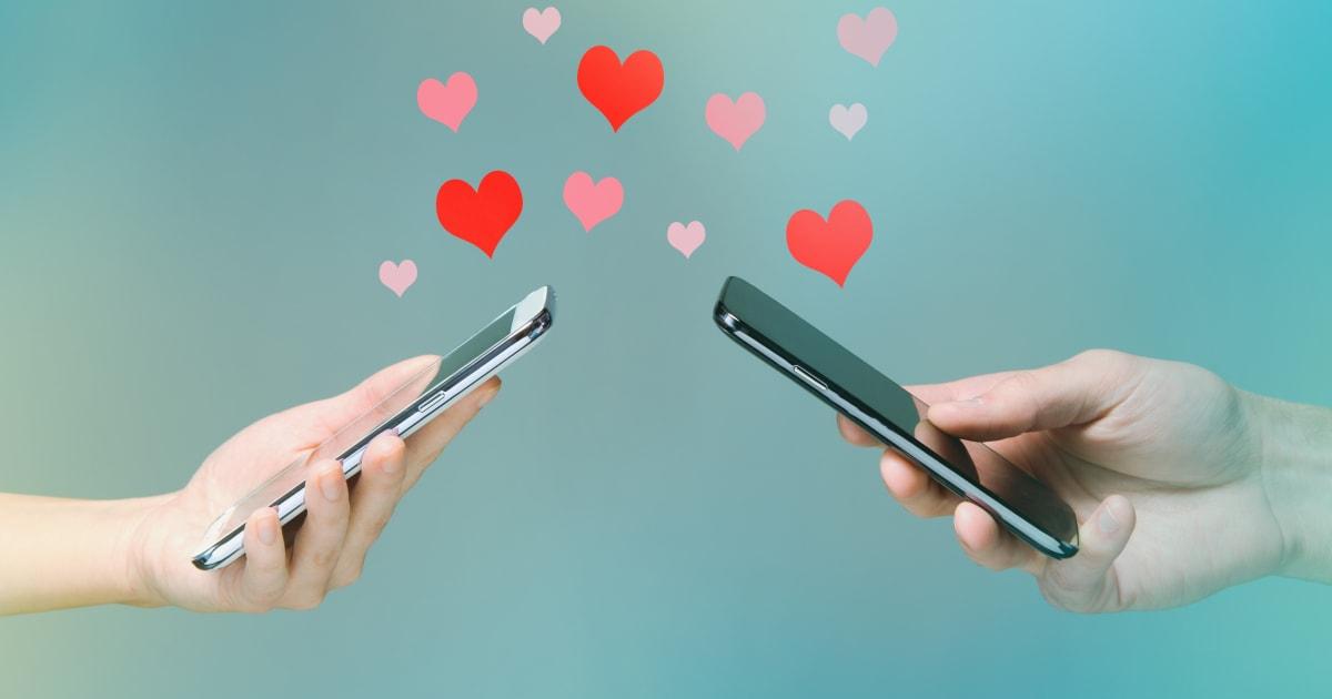 L'amore? Per 1 ragazzo su 2 può nascere sui social. Instagram il migliore per trovare una relazione stabile