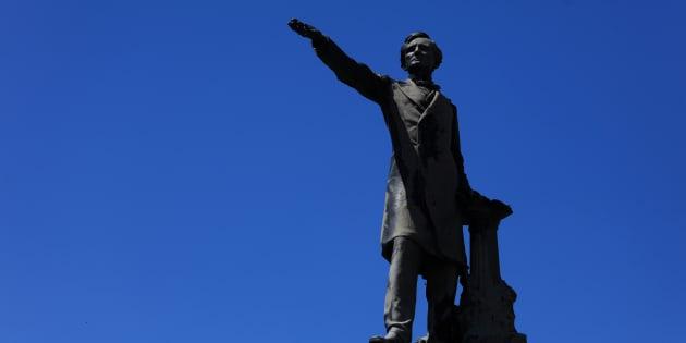Charlottesville: la pression monte sur les statues confédérées