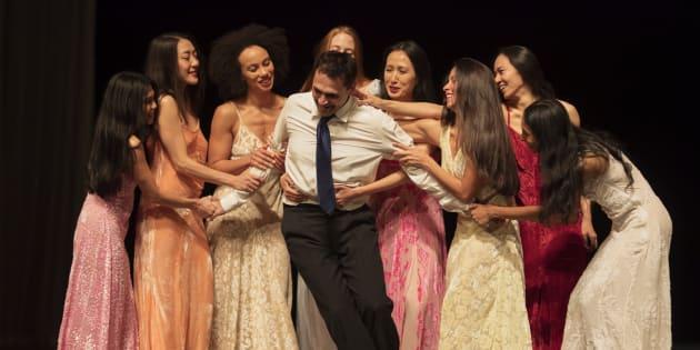 """""""Nefés"""" é resultado de imersão do Tanztheater Wuppertal na cultura turca."""
