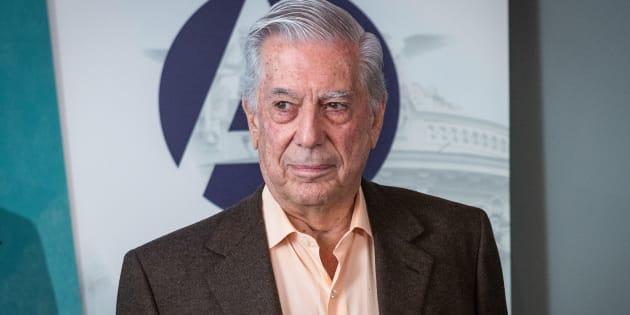 Mario Vargas Llosa presenta su libro 'La llamada de la tribu' en Madrid, España, el 27 de febrero de 2018.