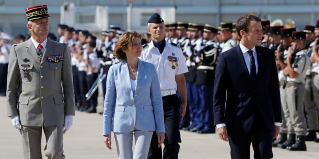 Emmanuel Macron à Istres pour rassurer les militaires, avec son nouveau chef d'état-major des armées