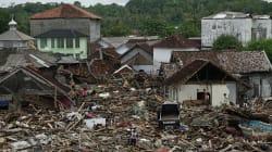 Los muertos por el tsunami de Indonesia ya superan los