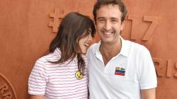 Cyrille Eldin à Roland-Garros en amoureux avec sa chroniqueuse Sandrine