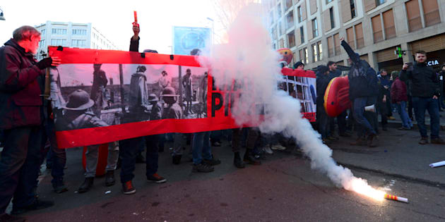 Manifestations d'extrême droite et d'antifascistes en Italie après de graves tensions raciales