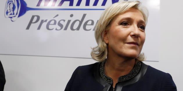 Marine Le Pen lors de l'inauguration de son QG de campagne le 16 novembre.