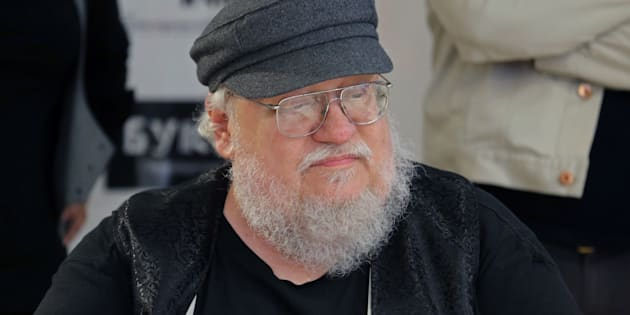 George R.R. Martin a sorti de 1996 à 2011, Georges RR Martin a sorti 5 tomes de son univers Game of Thrones.