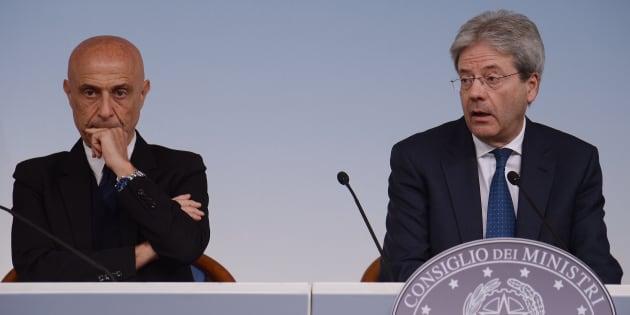 Scontro Renzi-D'Alema: