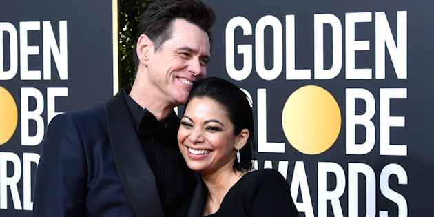 Jim Carrey et Ginger Gonzaga sur le tapis rouge de la 76ème cérémonie des Golden Globe, ce 6 janvier à Los Angeles.