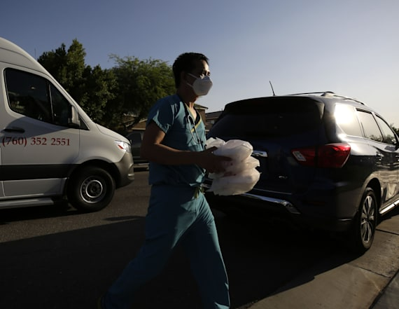 'Rock star' doctor tackles virus on Mexico border