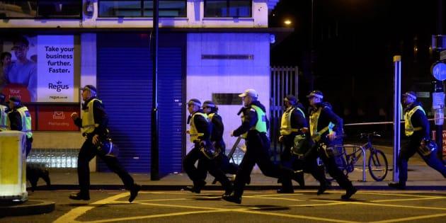 Tre attacchi a Londra, diversi morti