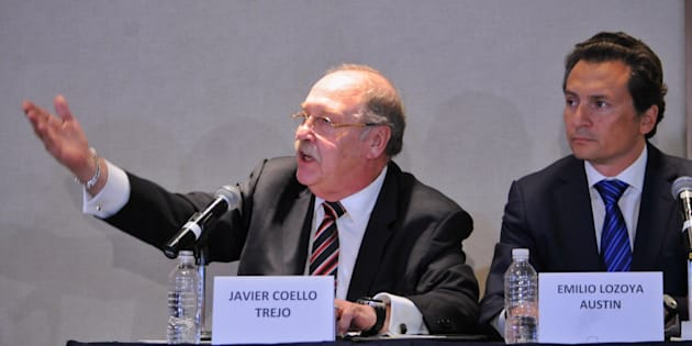 Emilio Lozoya, exdirector de PEMEX, en compañía de sus abogados Javier Coello Trejo y Javier Coello Zuarth, ofreció una conferencia para hablar sobre los señalamientos de que recibió sobornos de la empresa brasileña Odebrecht, en Ciudad de México, el 17 de agosto de 2017.