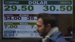 Argentina sufre presión económica y aplicará medidas para controlar la paridad con el