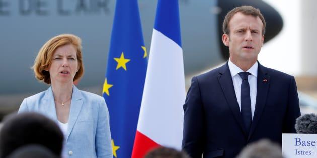 Emmanuel Macron et Florence Parly sur la base aérienne de Salon le 20 juillet 2017.