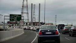 Anti-Uber Taxi Blockade Causes Traffic Chaos In