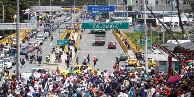 Estiman que diariamente están cruzando 5 mil venezolanos a Ecuador.