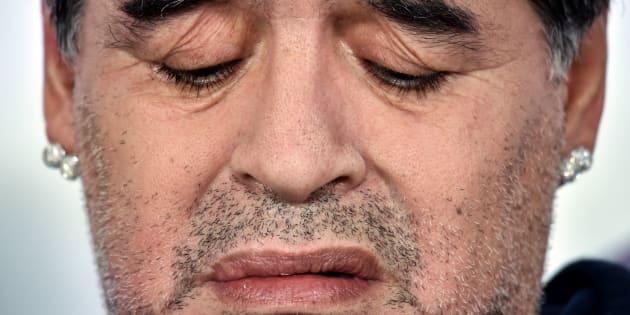 Maradona durante una conferencia de prensa.