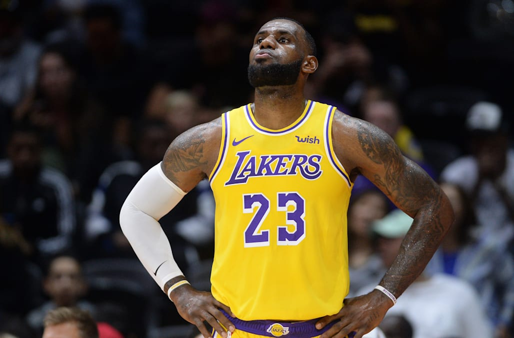 6bdc694c LeBron James shows flashes of what's to come in Lakers preseason debut
