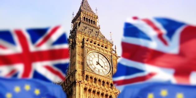 Banca d'Inghilterra rialza i tassi, è prima volta da 10 anni