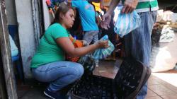 Miles de venezolanos huyen a Brasil por crisis humanitaria en su país: