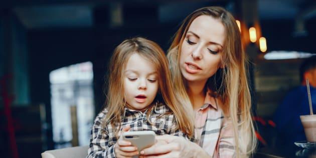Mon téléphone me donne la liberté d'être une mère qui travaille.