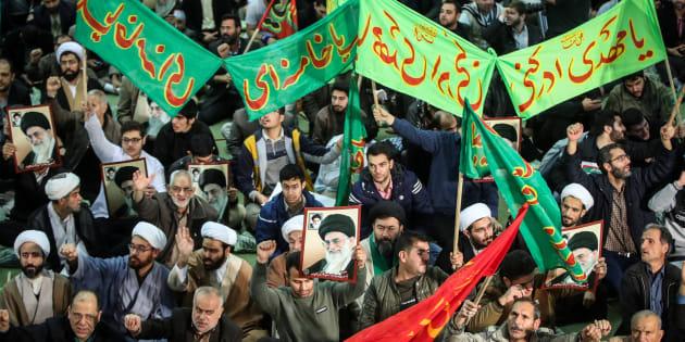 En Iran, des dizaines de milliers de manifestants soutiennent le régime