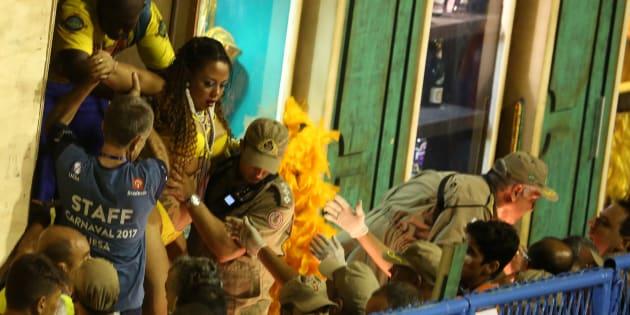 Acidente em desfile da Unidos da Tijuca no carnaval do Rio de Janeiro