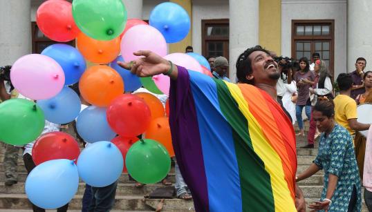 18 fotos emocionantes da Índia celebrando descriminalização da