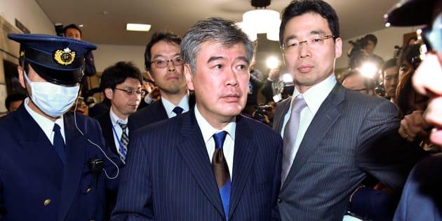 El viceministro de finanzas en Japón, Junichi Fukuda, después de anunciar su renuncia en Tokio.